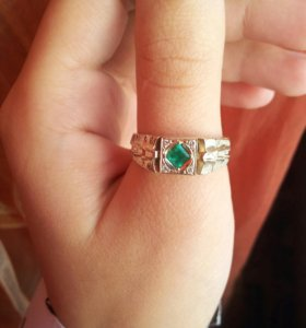 Золотое кольцо (печатка мужская) с бриллиантами