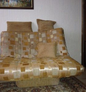спальный комплект в отличном состоянии+2 ковра