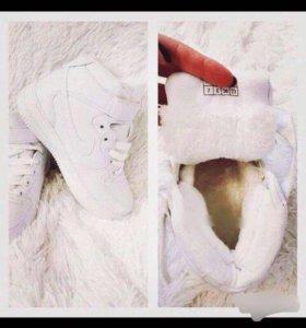 Кроссовки Nike зима