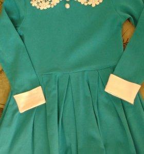 Платье с ажурным воротником