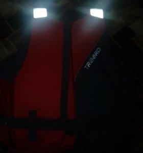 Спасательный жилет (новый с бирками)