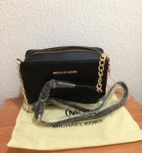 Кожаная сумка,модная и стильная