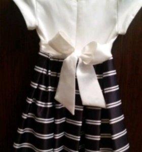 Платье нарядное на девочку,на рост110-116