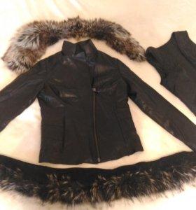 Кожанная куртка с меховым воротником осень-