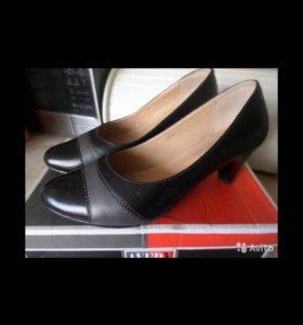Новые женские туфли р.37.