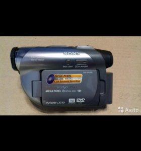 Видеокамера SONY DCR-DVD305
