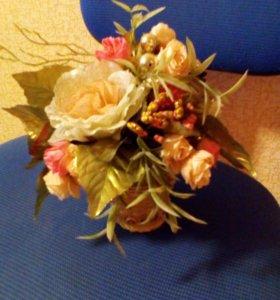Экибана в плетеной вазе