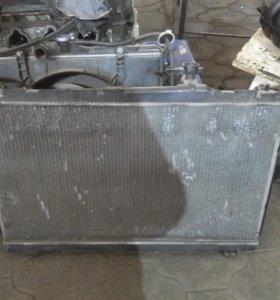 Радиатор  двигателя тойота Ипсум 20