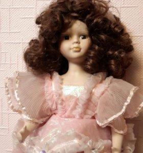 Кукла фарфоровая Матильда