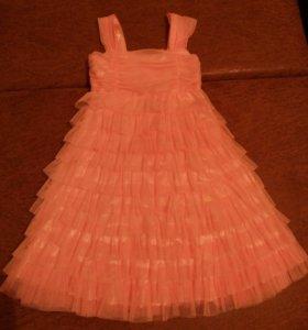 Платье на девочку. Новое.