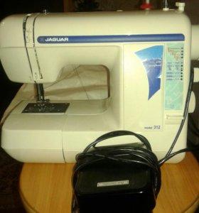 Швейная машинаJAGUAR, торг уместен