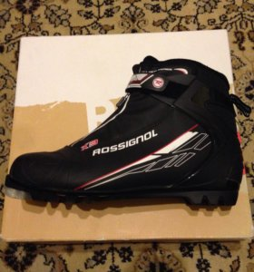 Лыжные ботинки. Rossignol X-3. 45 размер.