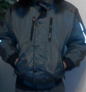 Продам куртку зимнюю унисекс