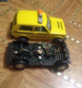 Машинка такси и волчок
