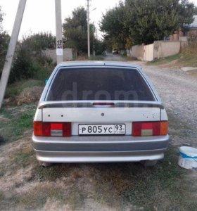 Машина Lada 2114