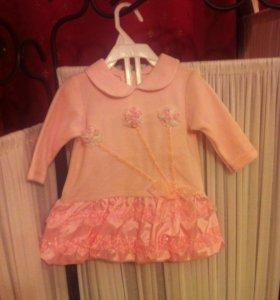Платье на малышку новое