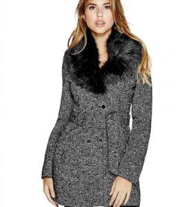 Легкое пальто Guess новое