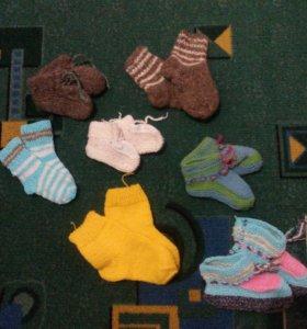 Детские носочки и пинетки ручной работы