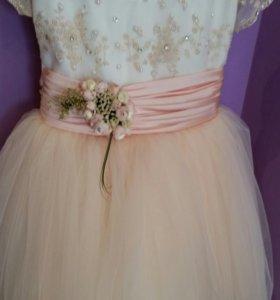 Нарядное платье на девочку от 3 до 7 лет