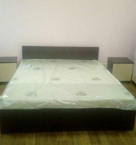Кровать новая +тумбы прикроватные
