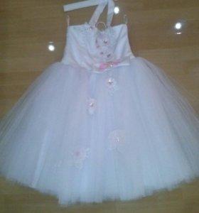 Красивое платье на корсете, на возраст 2-4 года