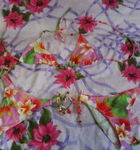 Купальник с цветами ( тройка)