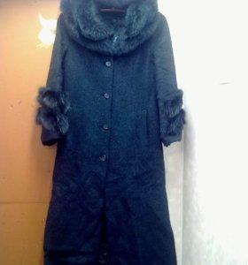 Зимнее пальто.мех натуральный