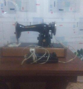 Швейная машинка. 89525279080