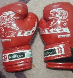 боксерские перчатки . Размер для ребенка.