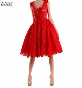 Платье кружевное, новое