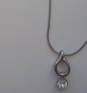 Цепочка-кулон с кристаллом SWAROVSKI.