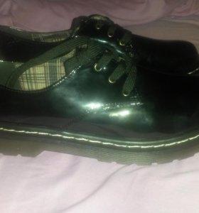 Туфли черный новый