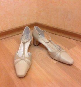 Новые туфли Aaltonen
