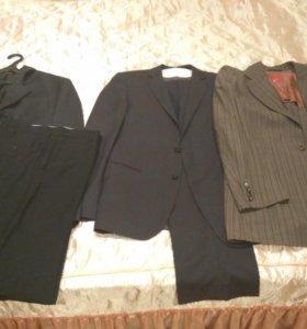 2 костюма пиджак и брюки размер M