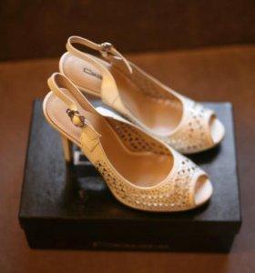 Туфли босоножки белые новые