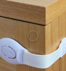 Фиксаторы шкафов, выдвижных полок для малышей