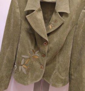 Пиджак 50-52 размера.