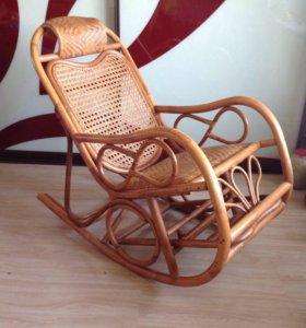 Кресло качалка (ротанг).