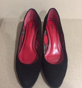 Туфли НОВЫЕ 40 размера