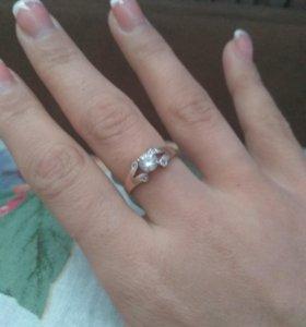 Продам кольцо золото