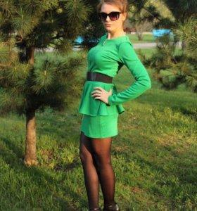 Костюм(юбка и жакет)