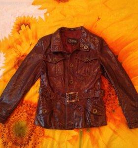 Кожаная куртка 42-44р.