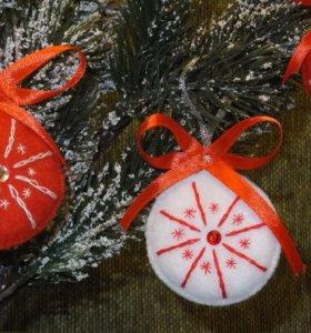 Новогоднее украшение из фетра