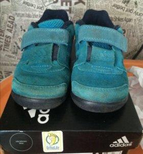Кроссовки Adidas (р22) б/у