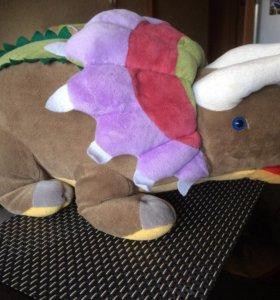 Плюшевый динозавр