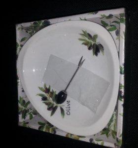 Тарелка под оливки