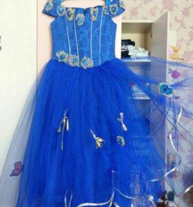 Платье на девочку 6-8лет