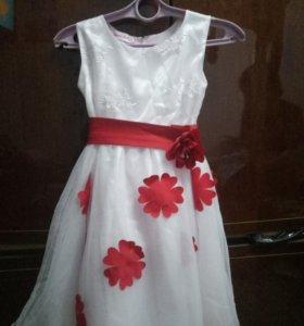 Платье ,на 6лет