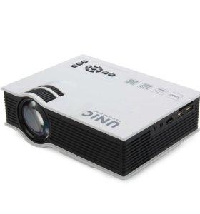 Светодиодный проектор Unic UC40