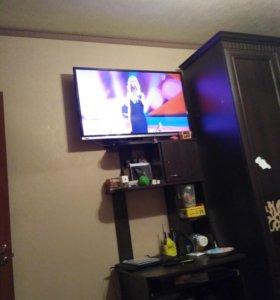 На запчасти 2 телевизора